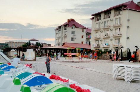Отель Дельфин. Выход на пляж, бассейны, вкусная еда, аттракционы