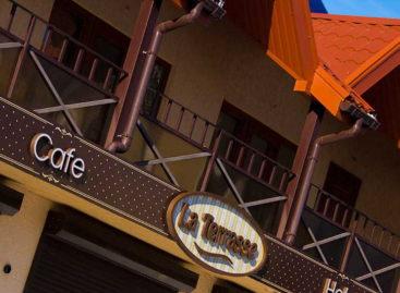 Отель La Terrasse — две минуты от моря. Центр курорта