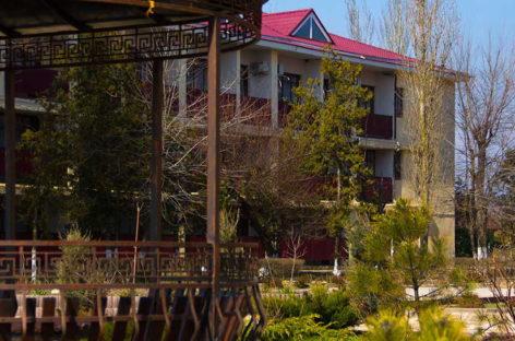 Отель Алые Паруса. Апартаменты, номера в первой линии