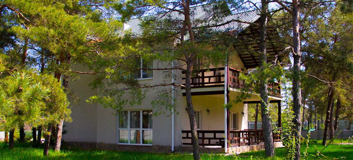 Снять коттедж в Коблево в хвойном лесу — Альянс