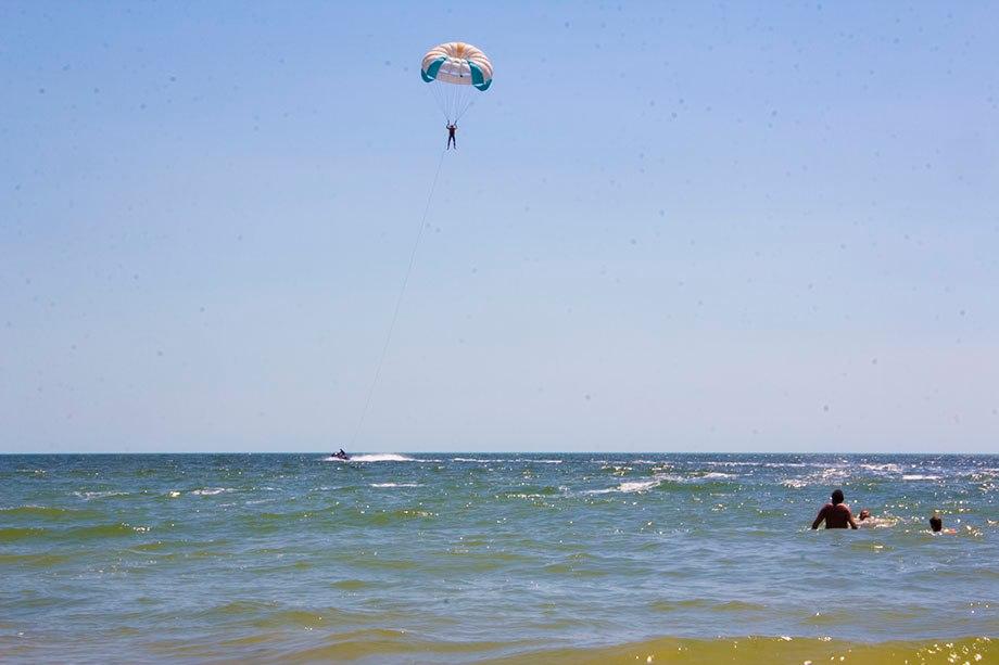 парашют коблево море