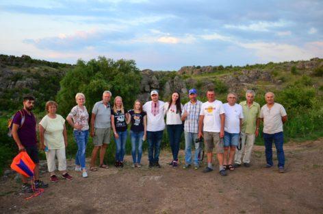 Кайтеры и туристические маршруты Николаевщины. Экскурсия в Актовский каньон