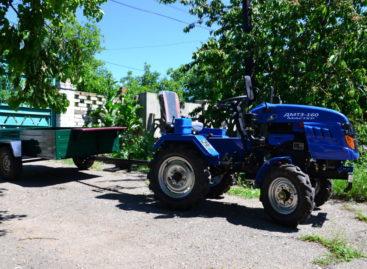 Услуги. Трактор. Очистка пляжа, перевозка грузов и другое