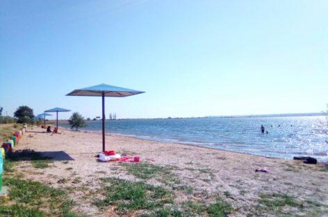 На пляже Тилигульского лимана. Несколько фото. Отдыхать стало гуд!