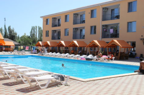 Отель Апельсин в Коблево. Номера, еда, бассейн. 400 метров от пляжа
