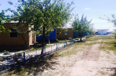 База отдыха Факел — первая линия, выход на пляж с территории базы