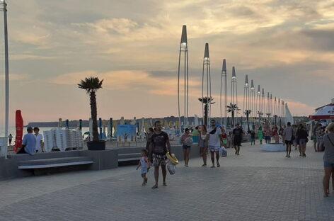 Набережная Коблево — вдоль берега курорта. Узнайте больше!